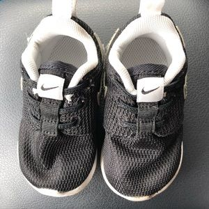 Nike Shoes - Black Toddler Nike's 4c
